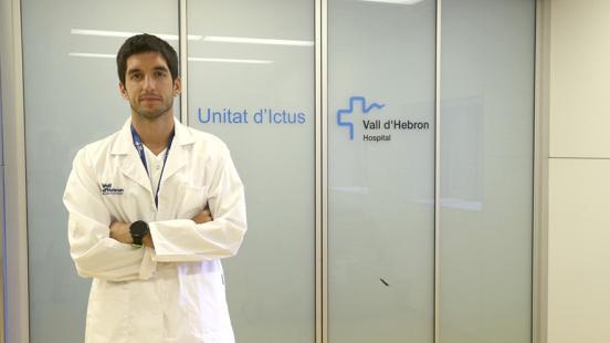 Dr. Manuel Requena