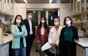 Dra. Eva Colás, Dr. Nacho Pedrós, Eva Coll de la Rubia, Dr. Antonio Gil Moreno i Dra. Marina Rigau