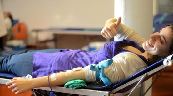 Per mitjà del Banc de Sang i Teixits pots donar sang